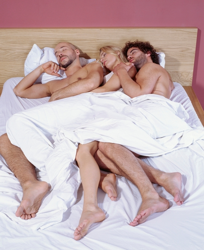 seks-mezhdu-muzhem-i-zhenoy-v-posteli